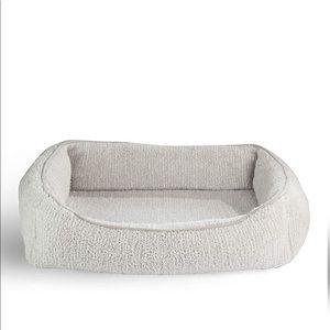 Light gray cat/dog bed